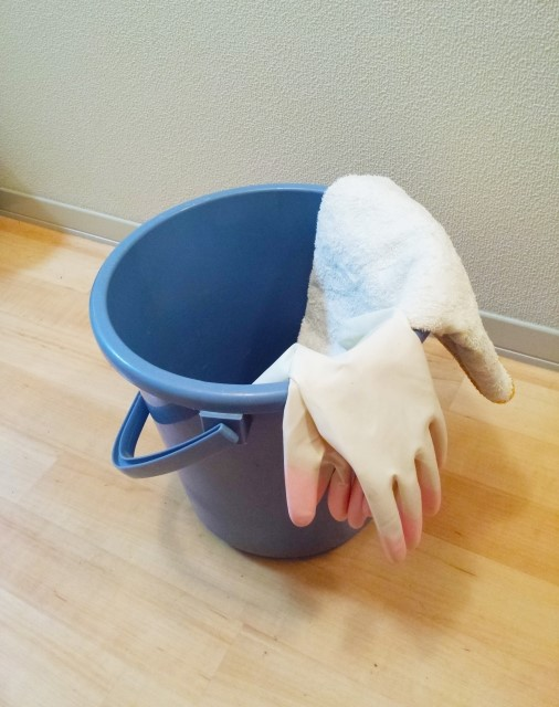 【複合】しっかり拭き取れば水拭きや中性洗剤もOK