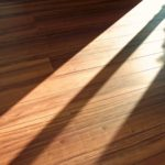 フローリングの日焼けはどんな症状がある?